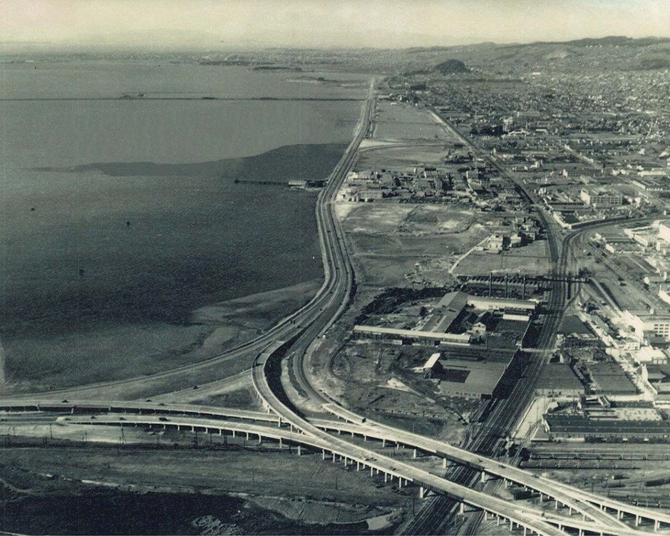 Arial of Emeryville Mudflats before the construction of the Watergate Pennisula, 1946.