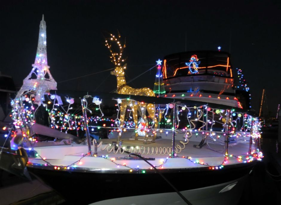 The Bertollinos won the Xmas Lights contest at Emeryville Marina.