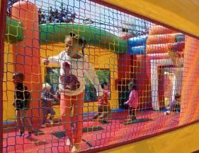 emeryville-spring-carnival-egg-hunt-13