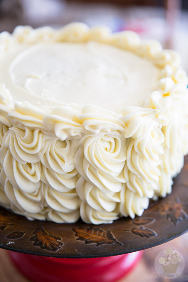 A Pipeable Cream Cheese Frosting sturdy enough to be used for piping perfect swirls onto cakes and cupcakes that tastes so good you'll want to bathe in it!