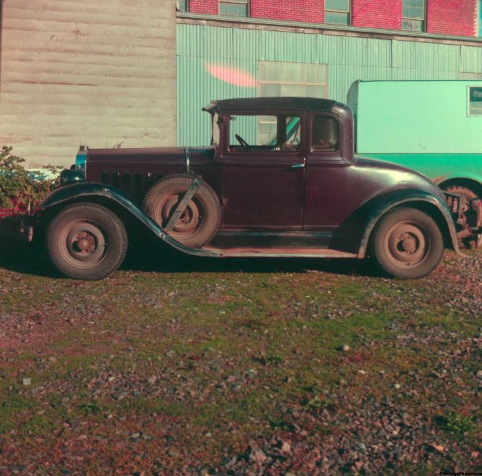 1929 Studebaker side view