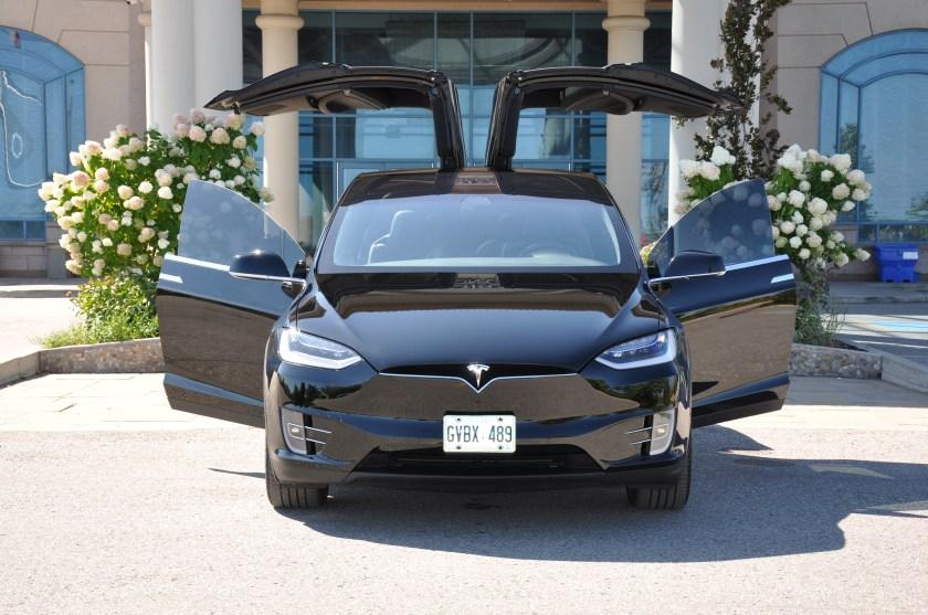Tesla-Model-X-Wedding