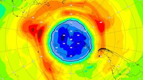 Озоновая дыра над Южным полюсом больше Антарктиды и является самой большой с 1979 года.