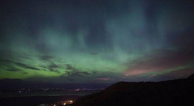 Загадочное высотное зеленое свечение