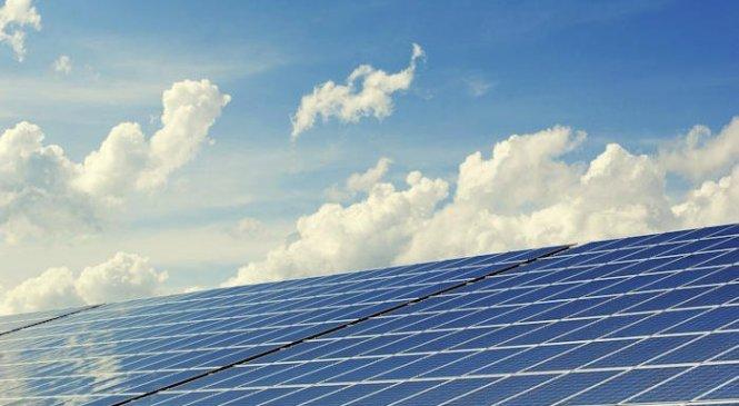 Новое понимание может привести к созданию более совершенных кремниевых солнечных панелей