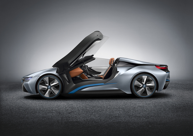 Bmw I8 Roadster Aka Spyder Wins Best Production Preview Vehicle