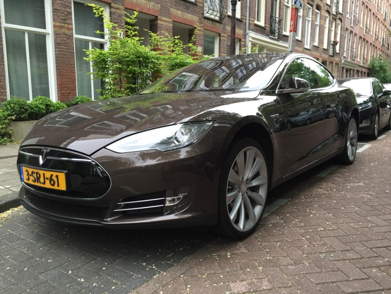 Tesla Model S Brown Amsterdam 3