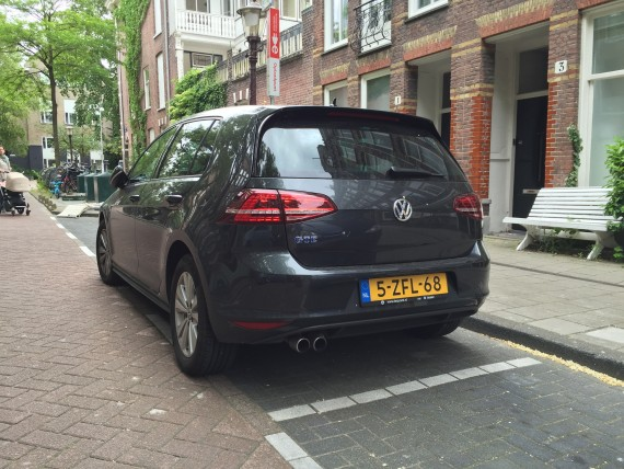 VW Golf GTE back