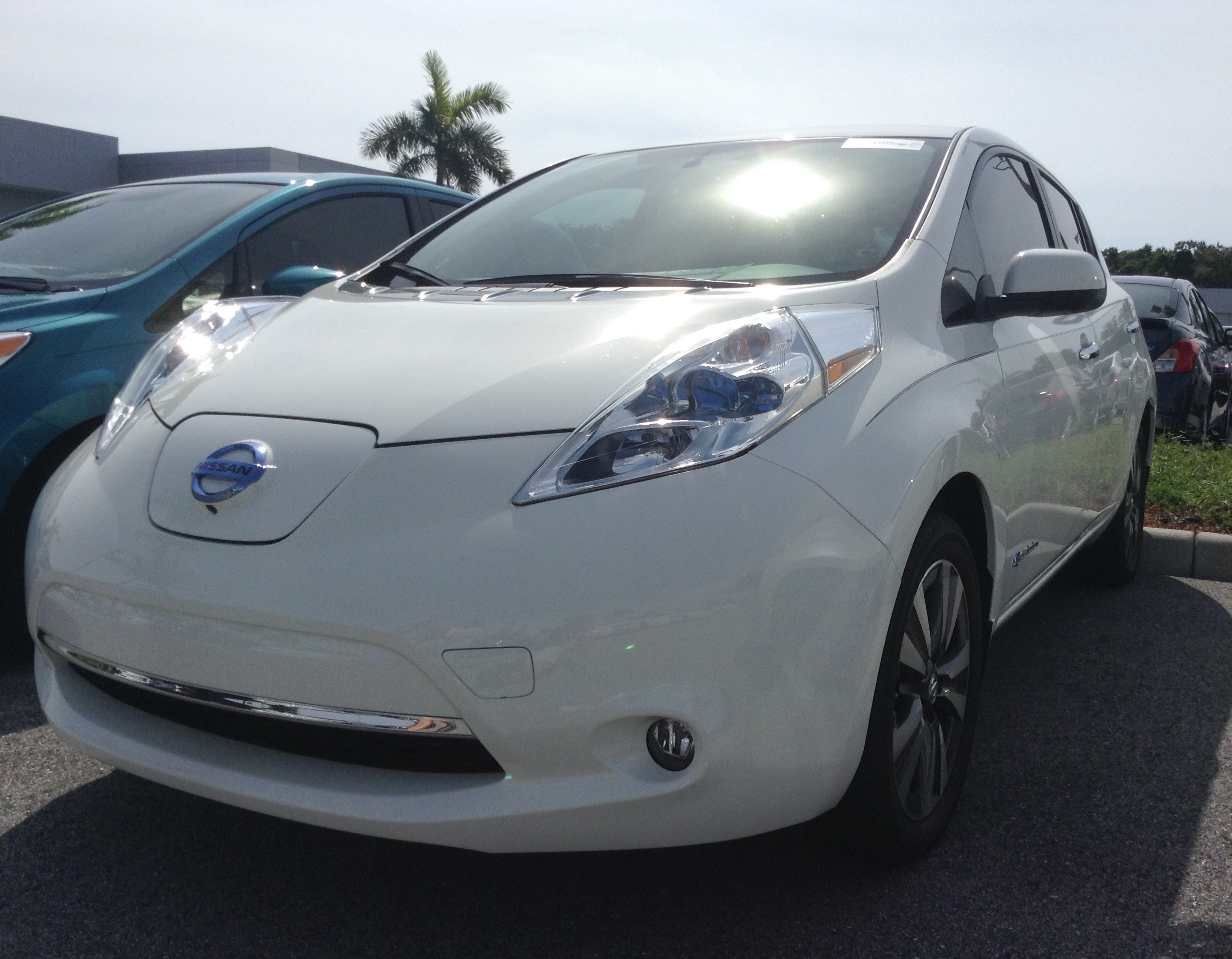 lease the deals auto for announced hawaii nissan launch leaf news early in