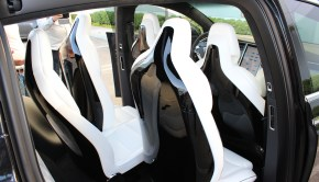 Tesla Model X middle seats