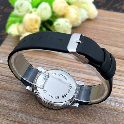 Classic Quartz Watch Stylish Spire Glass Wrist Watches cb5feb1b7314637725a2e7: Black boy bigger|Black girl smaller|watch box