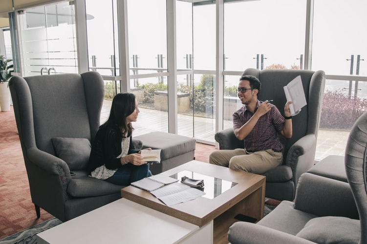 candidati, cucerirea candidatilor, interviu, marketing angajare