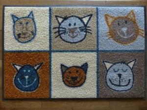 Doormat with cats