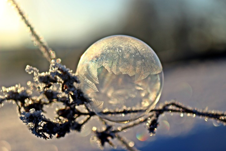 frozen-soap-bubble-1984244_1920