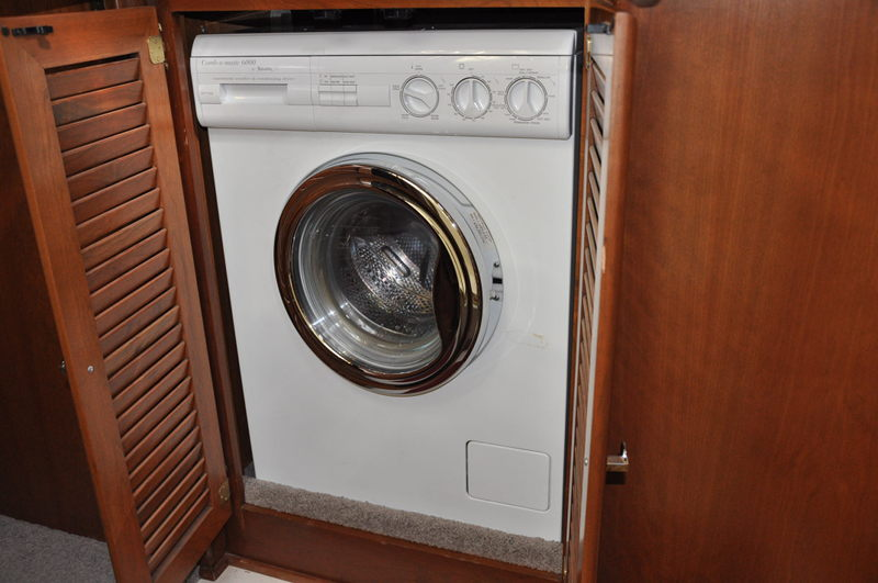 Splendide 6000 1054M washer that we use in our RV during our full time RV adventure trip.