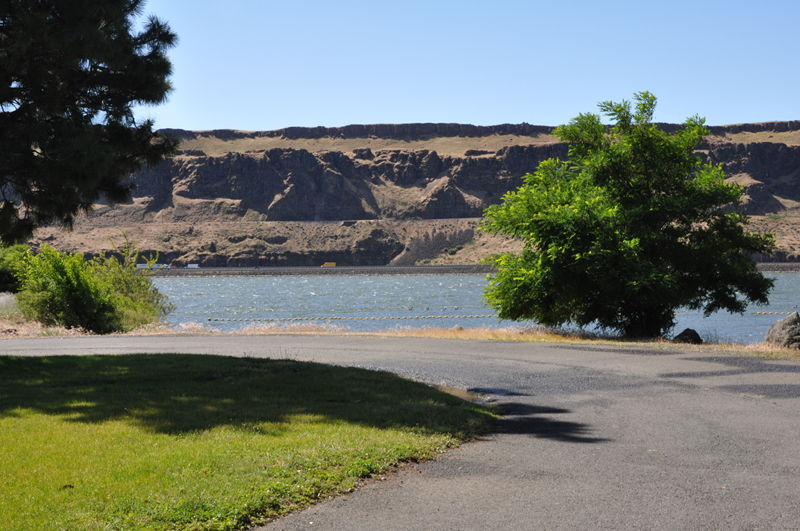Looking at the Columbia river from the campground we were staying at durig our full time RV adventure.