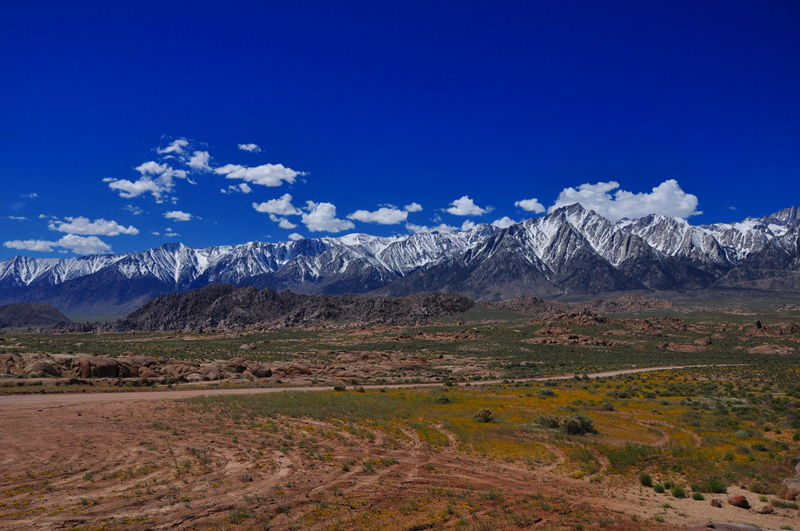 The amazing Eastern Sierra Nevada Mountains, absolutely stunning picture of the mountains.