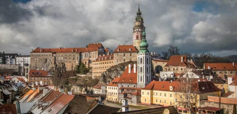 Cesky_Krumlov_Castle_by_JMIB