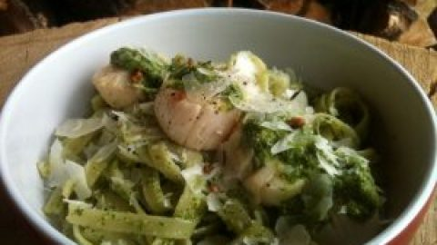 Roasted Walnut & Arugula Pesto Linguini with Seared Scallops