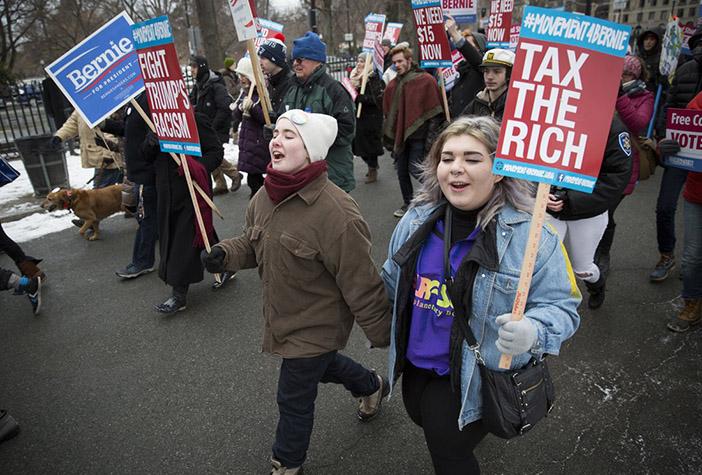 Митинг в Бостоне в поддержку Берни Сандерса