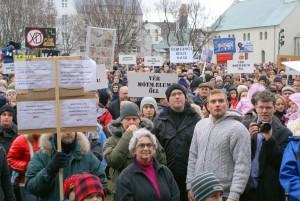 Исландците застават като един срещу изплащането на дълговете на банките. Creative Commons: OddurBen/Wikimedia Commons/.