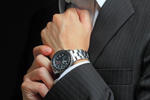 мъжки часовник според хороскопа