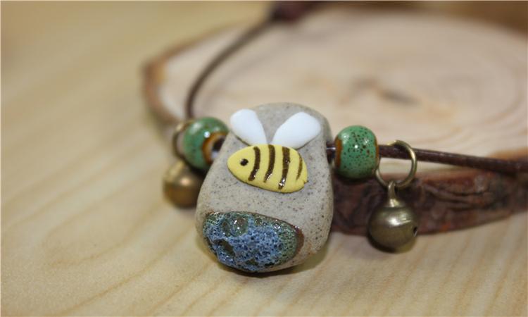 керамично колие с пчелика
