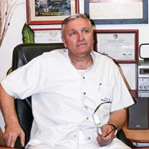 "Breaking News. Chirurgul Mircea Beuran, lovit de Covid-19. ""Este pe tratament cu oxigen"""