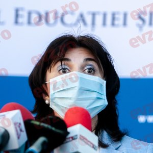 Breaking News. Bombă de la minsitrul Educației! Ce se întâmplă cu școlile după alegeri