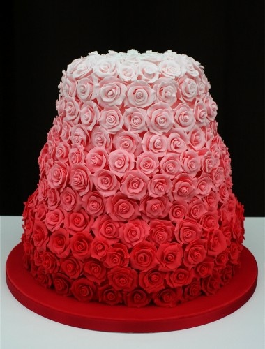 The New Fashion in Wedding Cakes  Ombre   eWedding The New Fashion in Wedding Cakes  Ombre