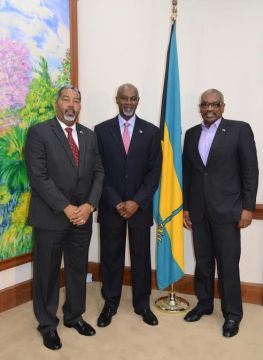 Maritime Authority's Commodore Davy Rolle Pays Courtesy Call on the Prime Minister