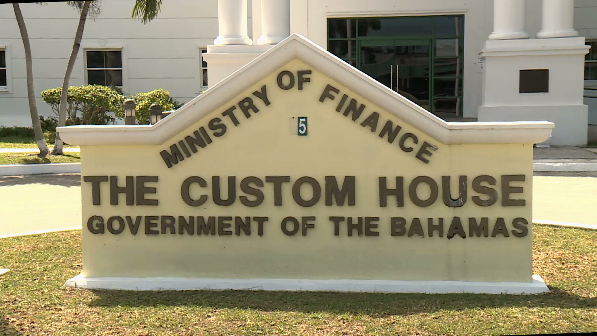 Customs crackdown on private aircraft operations in Abaco