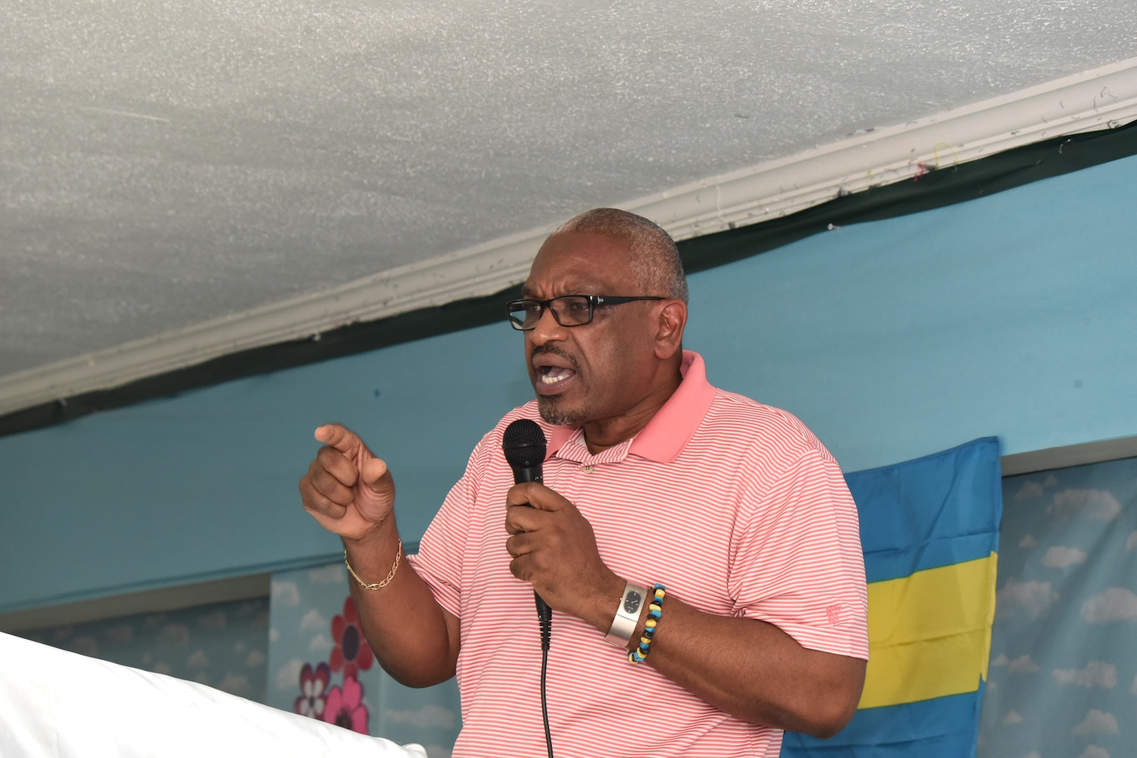 PM hosts Andros town hall meetings