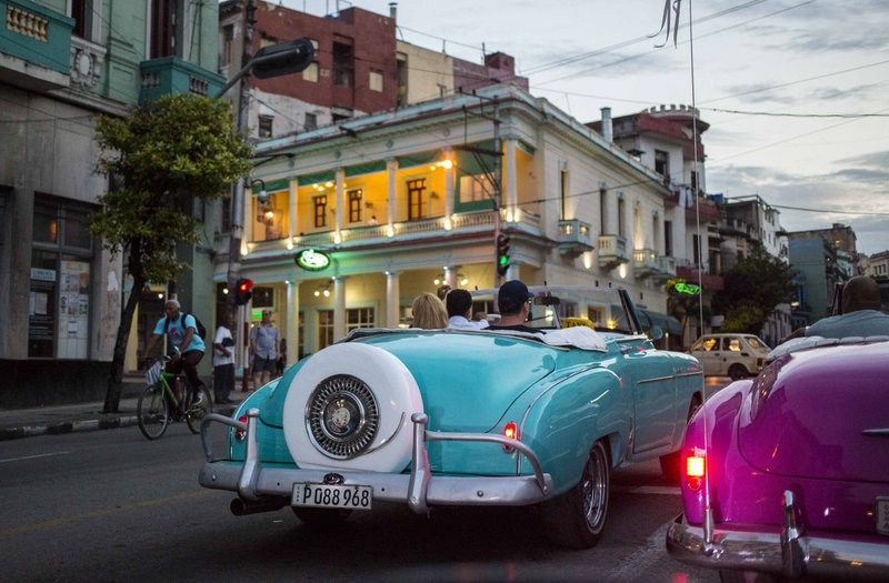 Cuba lifting freeze on new private tourism businesses