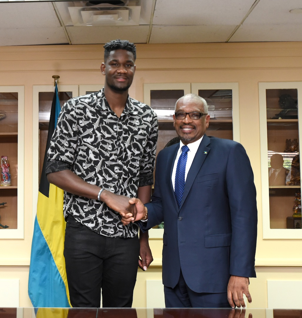 Deandre Ayton pays courtesy call on PM