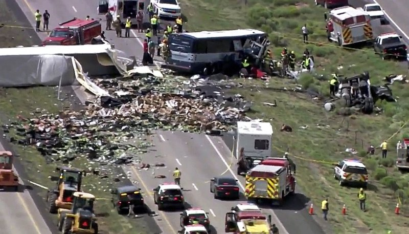 AP: At least 7 killed in head-on bus crash in New Mexico