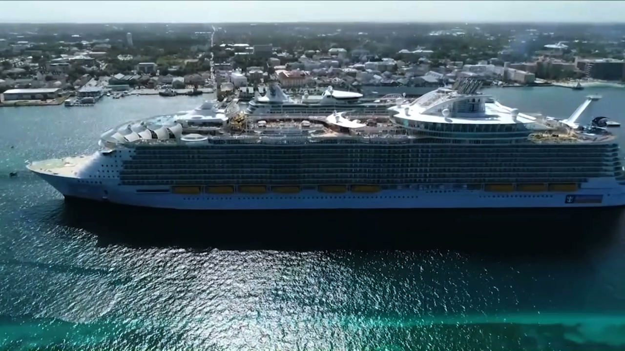 Cruise liner hopes to hire thousands by 2021