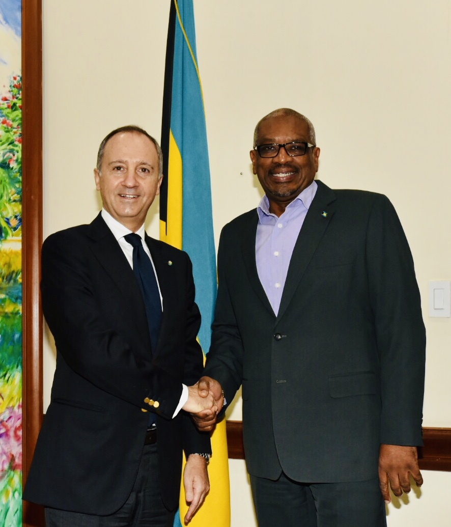 Prime Minister meets with the Non-Resident Ambassador of Italy