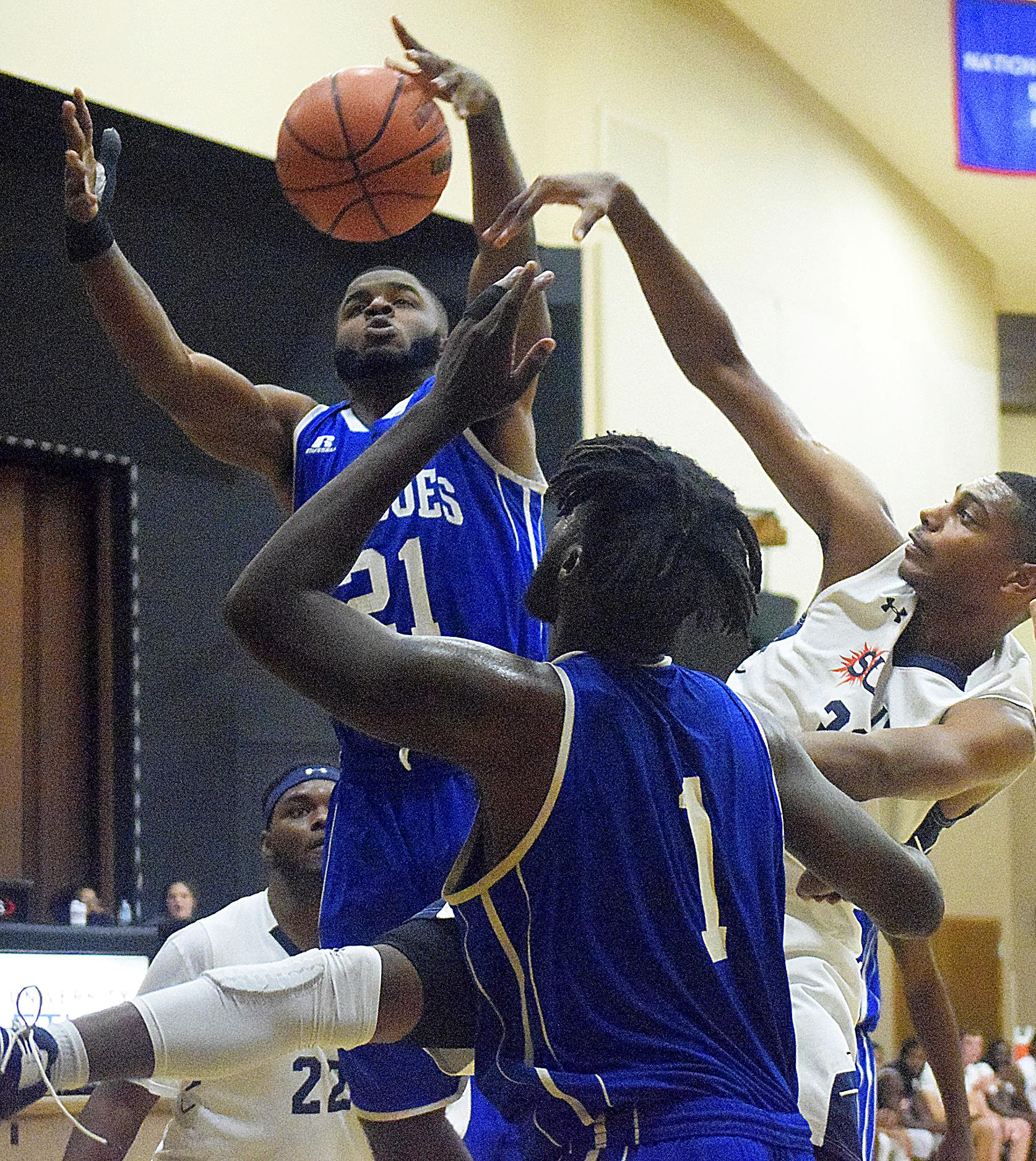 Shorthanded Mingoes drop three games at Orlando Tournament