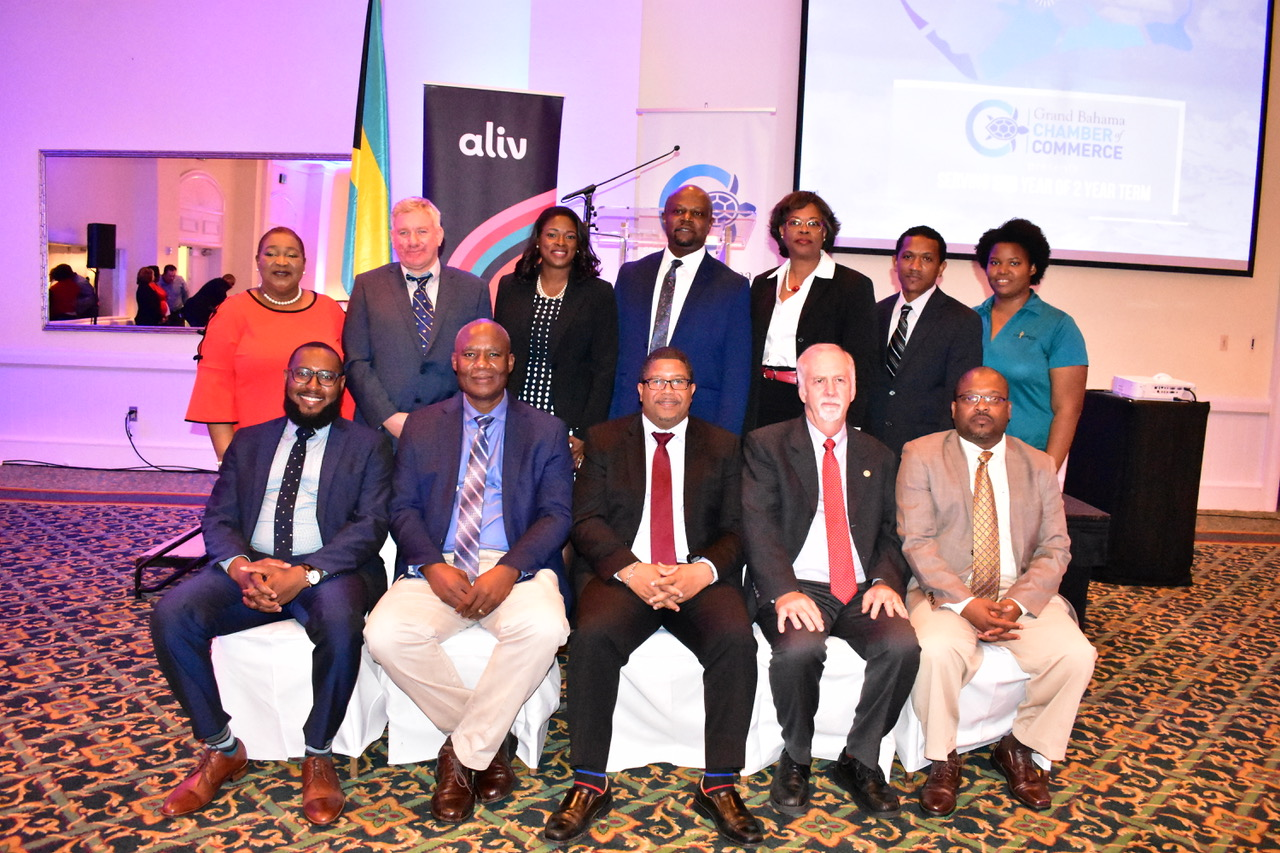 Deputy PM installs new Chamber president and board