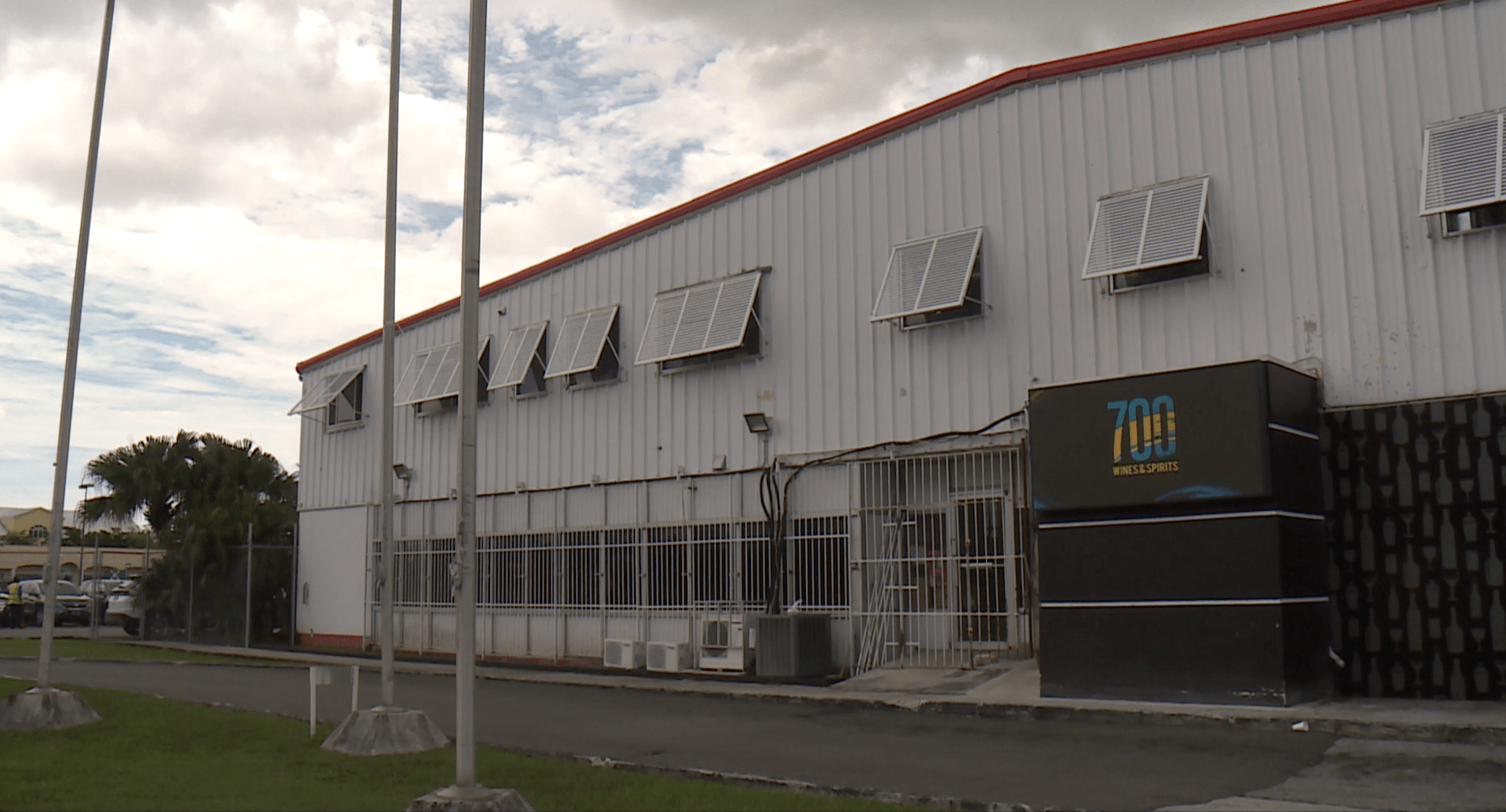 Security officer at wines and spirts warehouse shot to death