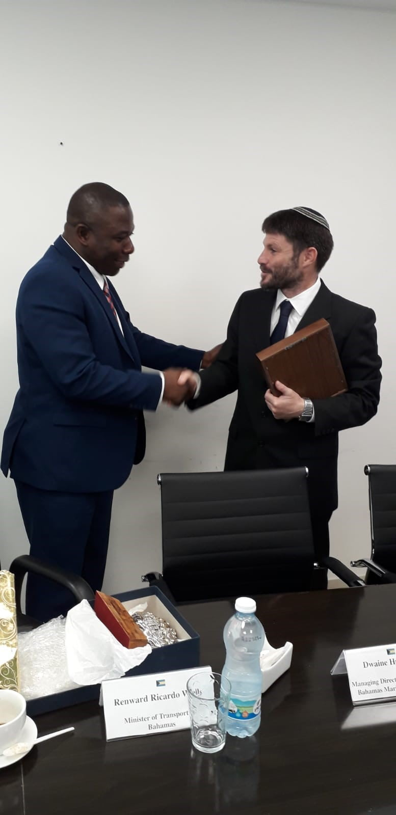 Israeli minister of transport meets with Renward Wells