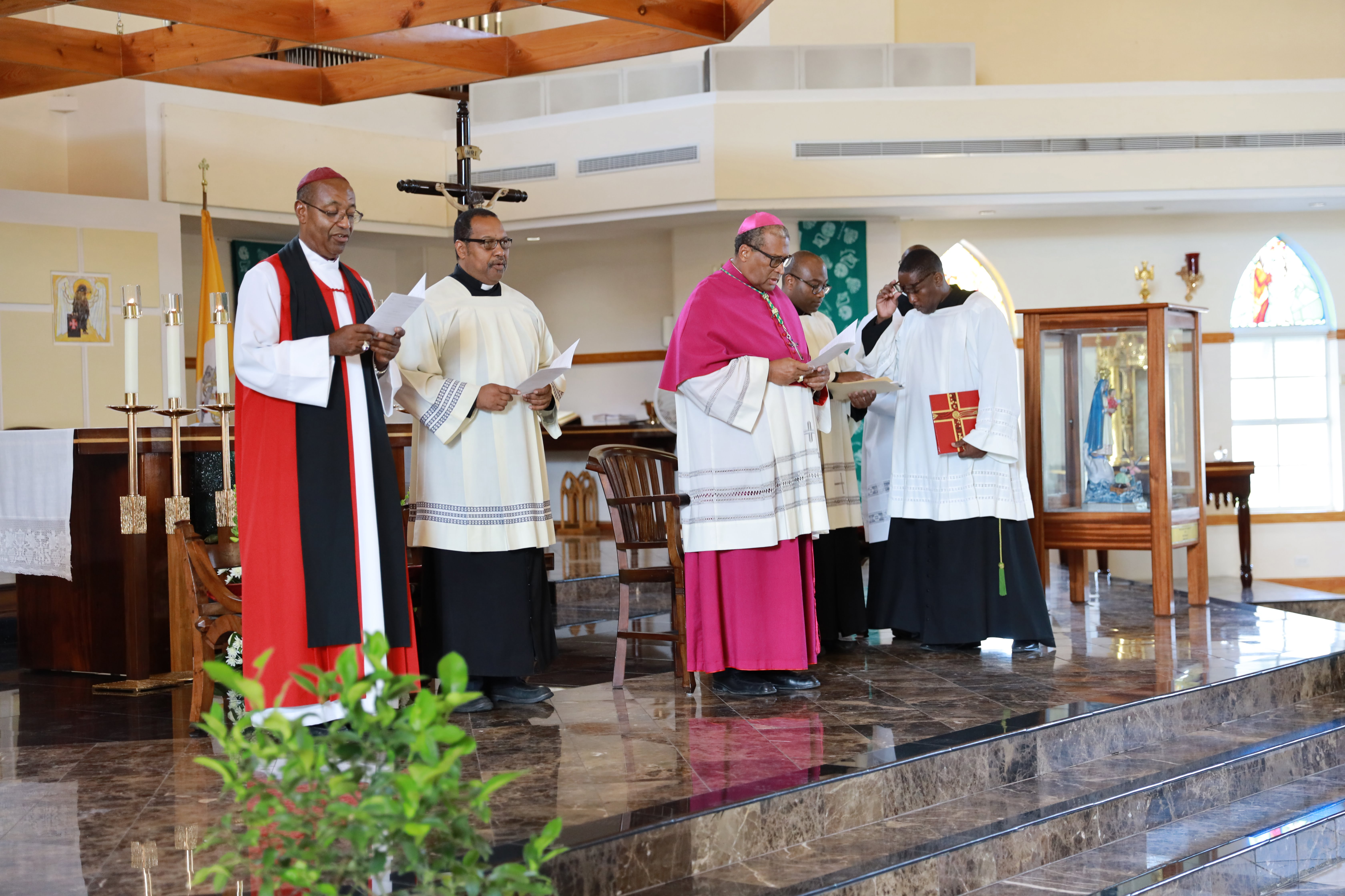 Lyford Cay Foundation holds Thanksgiving ecumenical service