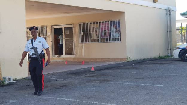 Man shot during attempted armed robbery at Carmichael Road shopping plaza