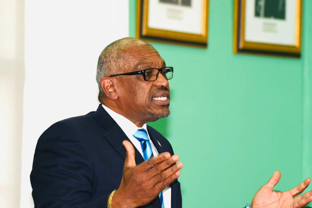 Minnis announces six-day complete lockdown for Easter Holiday