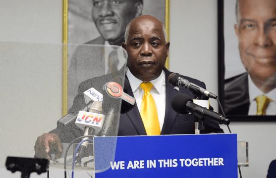 Davis: Govt. has 'clinically mishandled' second wave