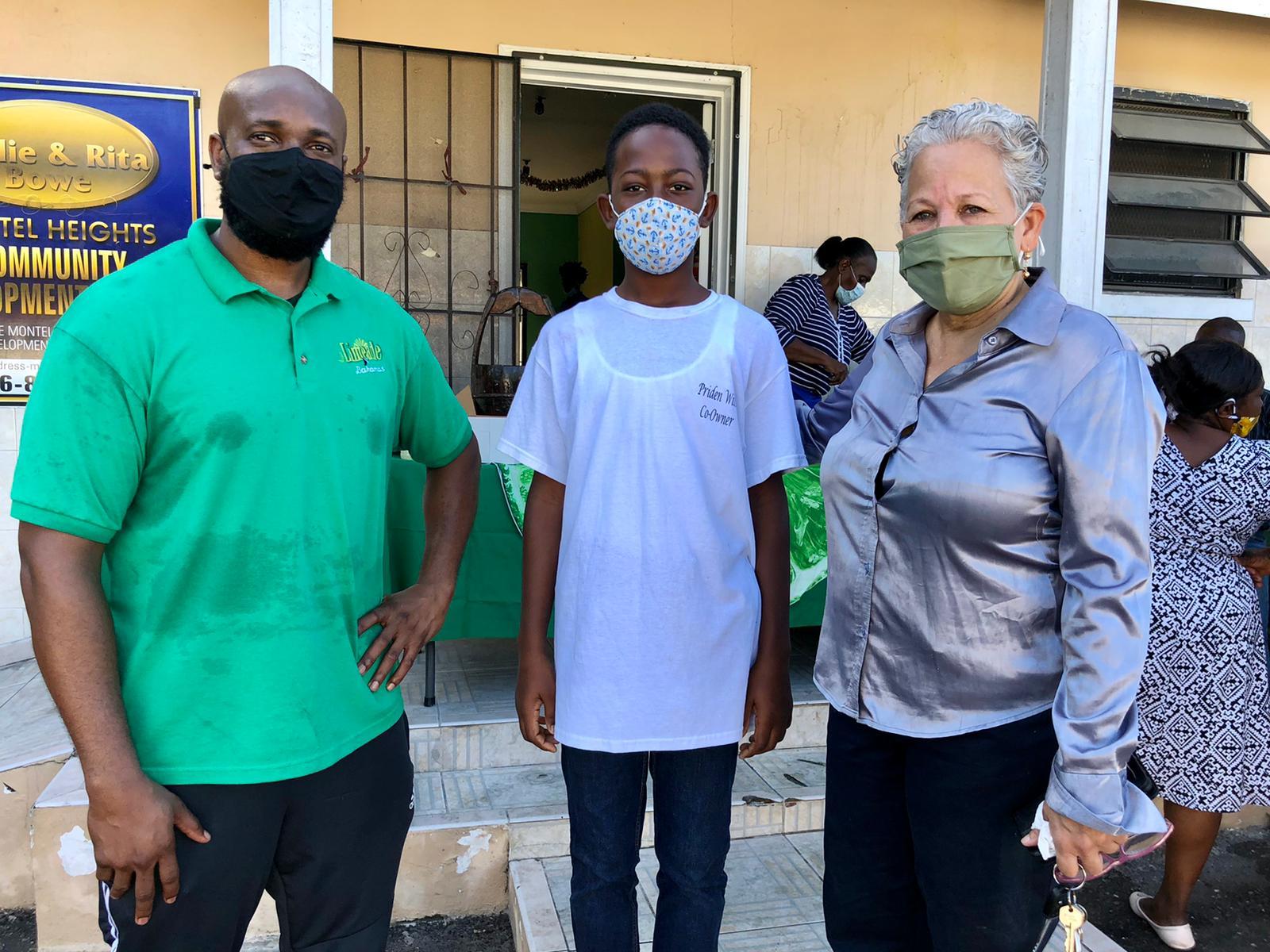 Limeade Bahamas provides breakfast for 400 in the Englerston community