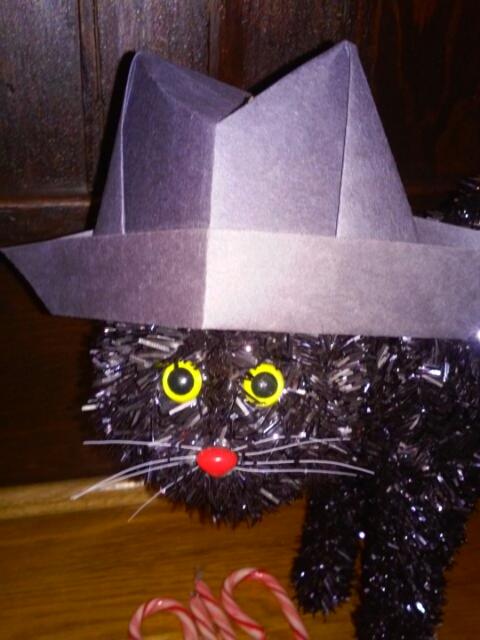Feztive Fedora Cat (2/2)