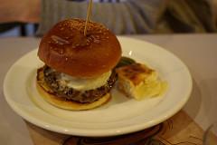 Carnaya Burger カルネヤバーガーfeat.ウエダク