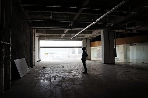 meetall 廃墟化したショッピングセンター上層階